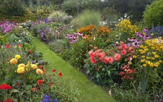 Reinventing the Cottage Garden With Today's Busy Lifestyle