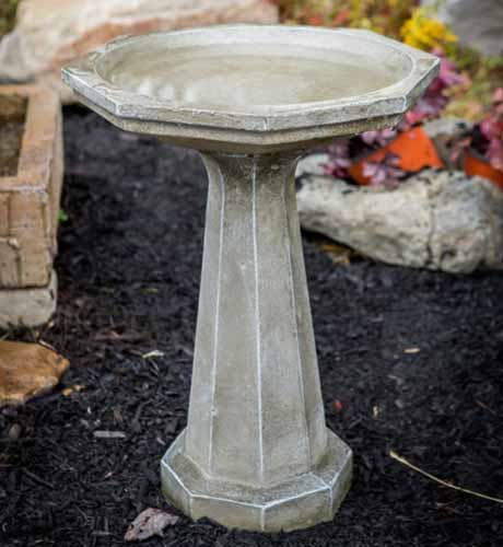 The Best Birdbaths For Your Backyard Reviewed Gardener S