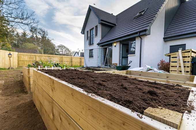 Raised Bed Construction | GardenersPath.com