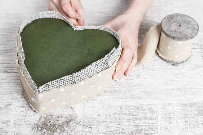 Easy Step by Step Blooming Heart Centerpiece | GardenersPath.com