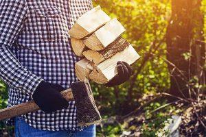 Picking the Best Splitting Maul for the Job | GardenersPath.com