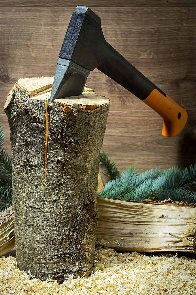 If you're splitting wood this season, you need the right tool for the job. We've reviewed the top splitting mauls: https://gardenerspath.com/gear/tools-and-supplies/best-splitting-mauls/