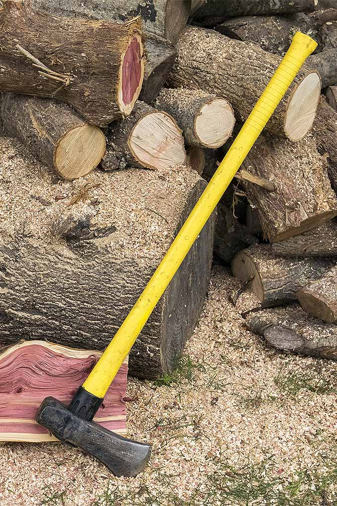 Dreaming about relaxing by a roaring fire? To get that firewood ready, you need the right tool for the job. Read our review of the best splitting mauls now, or Pin It for later: https://gardenerspath.com/gear/tools-and-supplies/best-splitting-mauls/