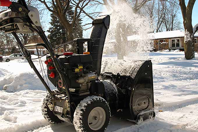 Best Snow Blowers Reviewed | GardenersPath.com