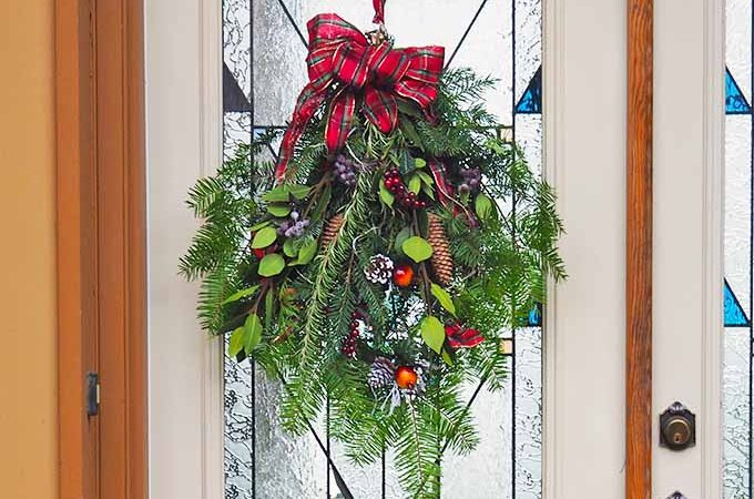DIY Evergreen Christmas Swag Tutorial | GardenersPath.com