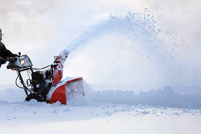 Snow Blower Purchasing Tips | GardenersPath.com