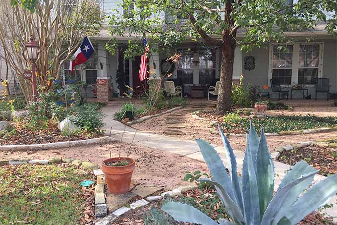 How To Get Creative With Garden Paths In Your Yard