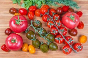 15 of the Best Tomato Hybrids for Your Veggie Patch